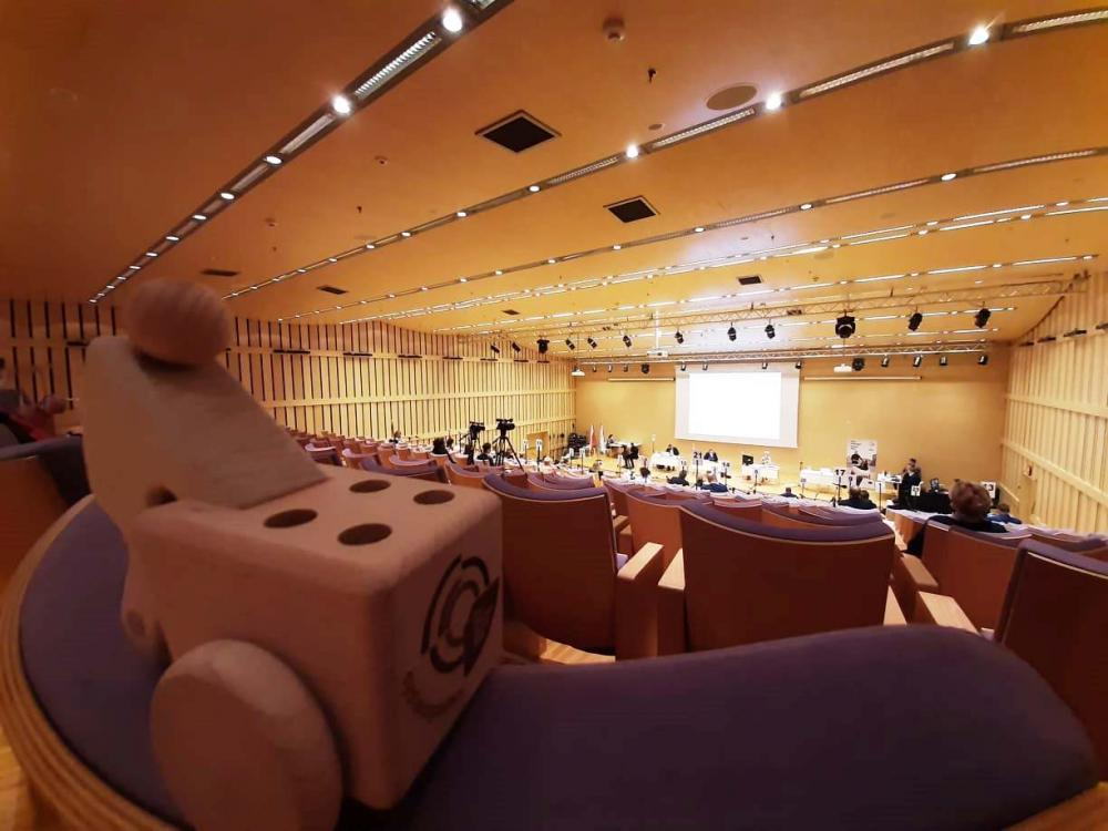 Wooden cargo bikes at council meeting